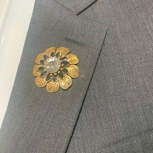 Men's Lapel 3D Flower Enamel & Gold Tin Pin